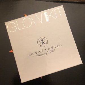 Anastasia Glow Kit Gleam